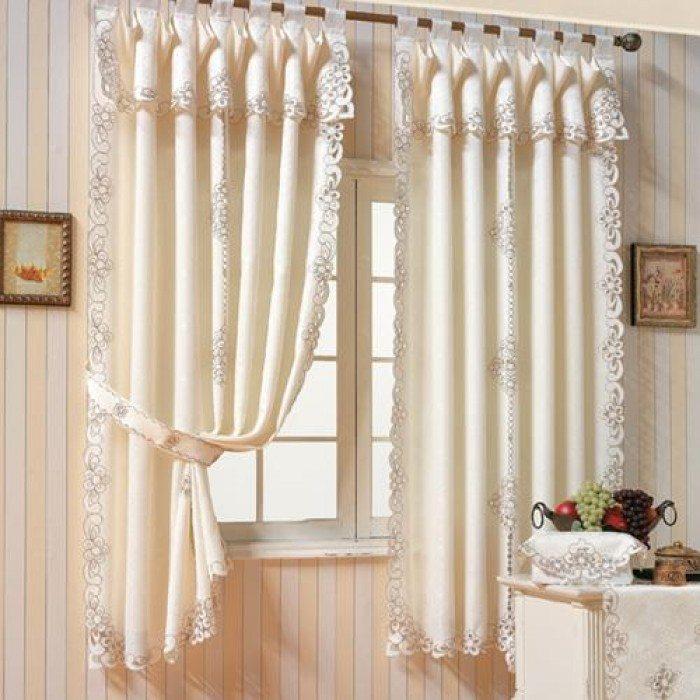 Rèm trang trí phòng khách đòi hỏi phải hài hòa với các đồ nội thất