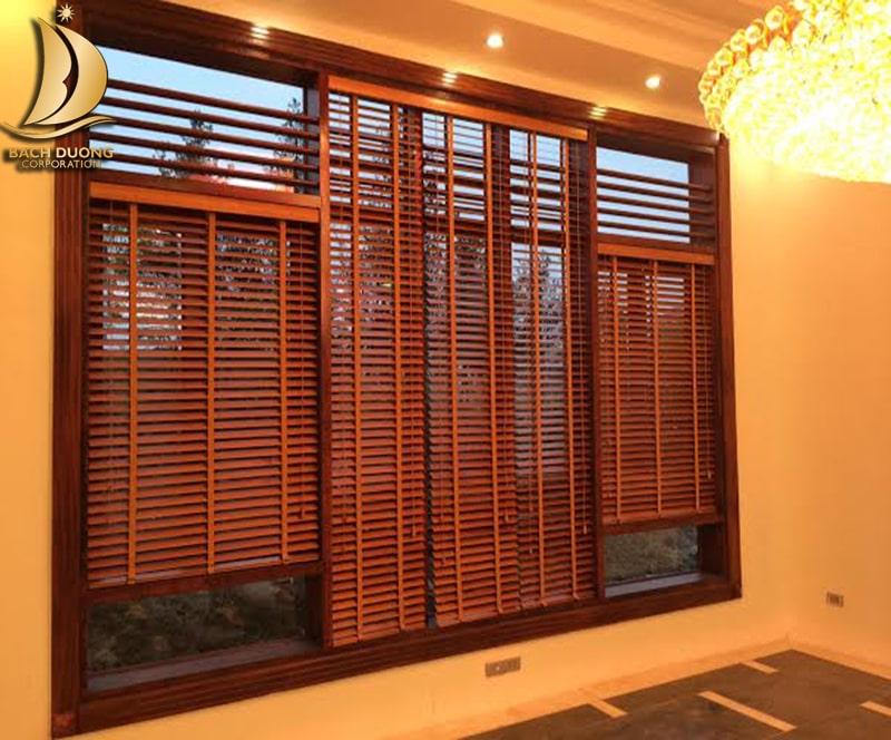 Chọn rèm sáo gỗ cửa sổ cho văn phòng diện tích phòng lớn
