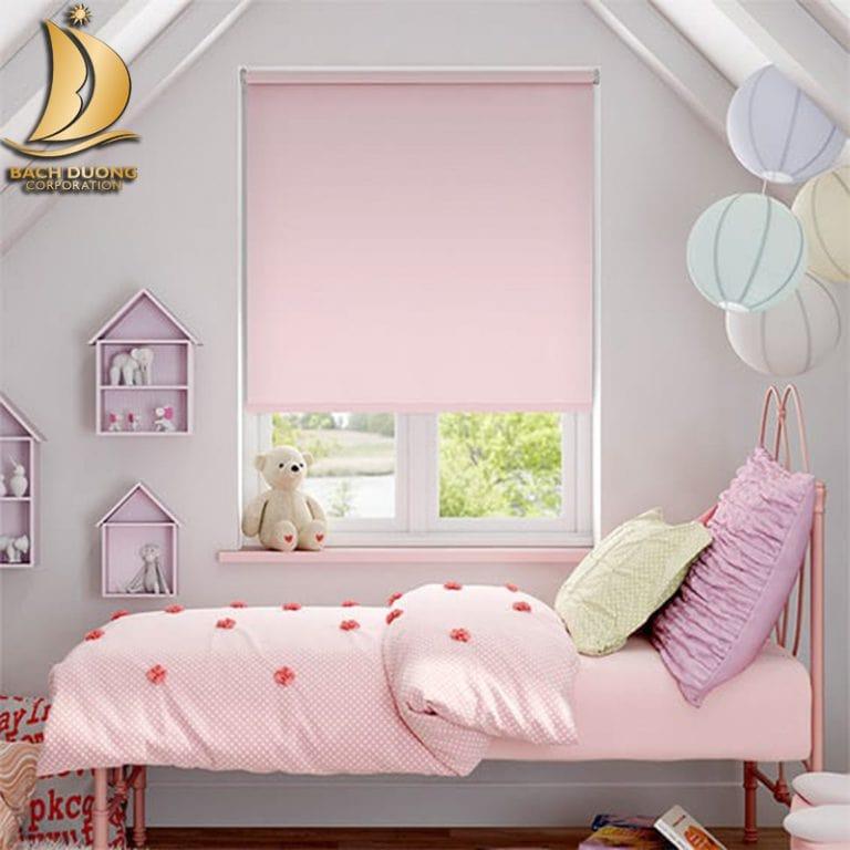 Phòng ngủ thêm lãng mạn với rèm cuốn