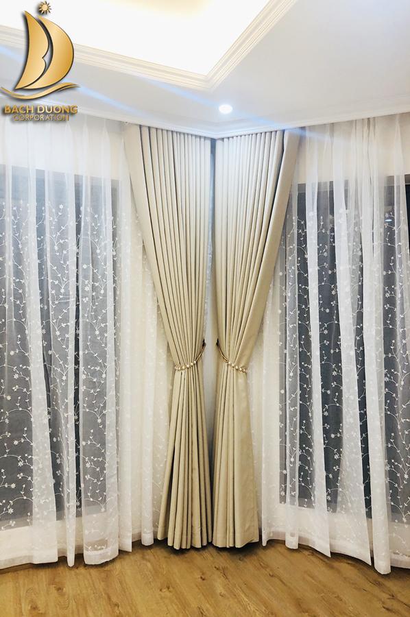 Rèm vải màu kem phù hợp với mọi không gian nội thất